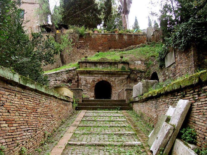Wandelen door de tombe van de Scipio's: helden van het oudeRome