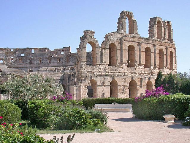 9 x het Colosseum (buitenRome)