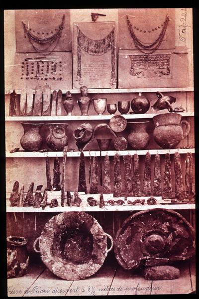 De 'Schat van Priamus' op een foto van vóór 1880