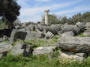 Ruïnes van de Zeus-tempel in Olympia