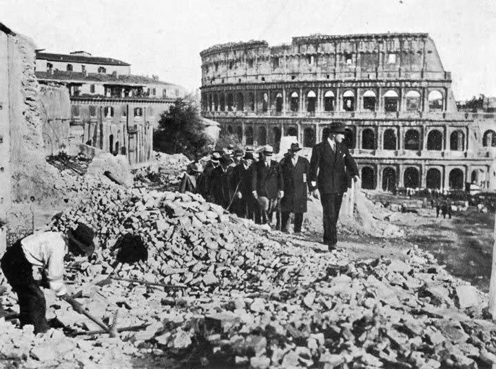 Inspectie bij de aanleg van de Via dell'Impero