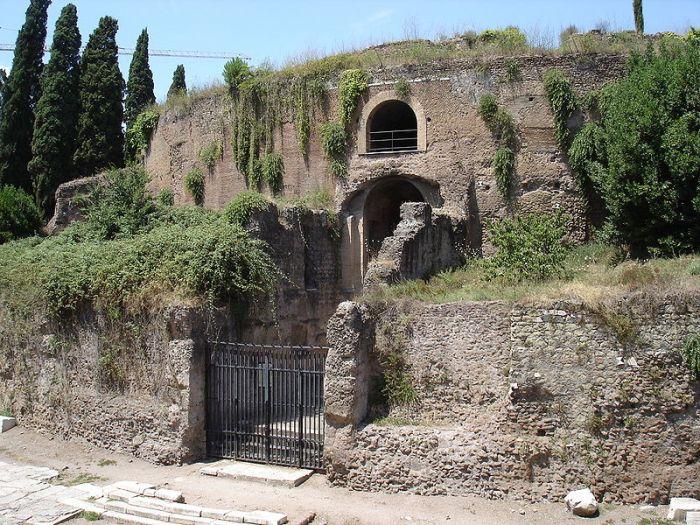 Het mausoleum van Augustus op Piazza Augusto Imperatore. Foto: Wikimedia