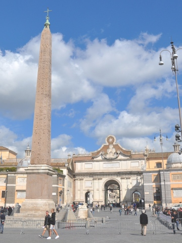 De Porta Flaminia en de koepel van de Santa Maria del Popolo
