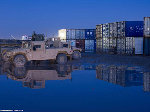 Simon Norfolk, Institute Burke Norfolk; Photographs from the war in afghanistan