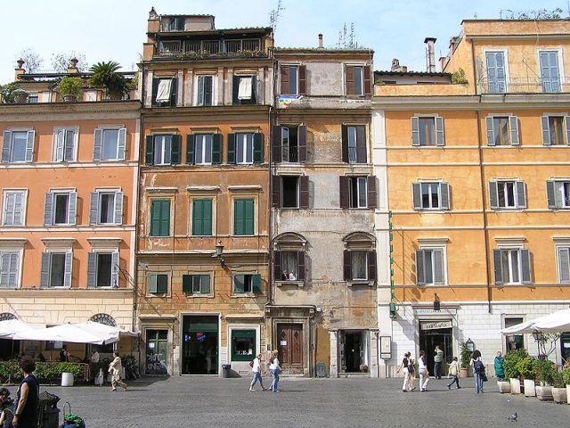 Piazza di Santa Maria in Trastevere, het hart van de wijk Trastevere (Foto: Wikimedia)