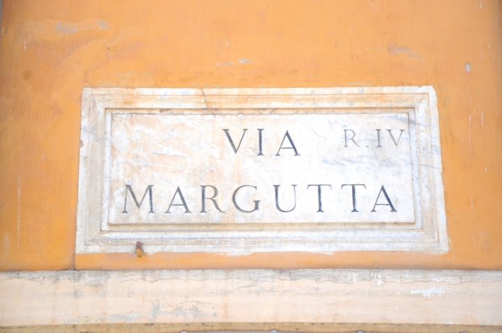 Via-Margutta-Rome-bord