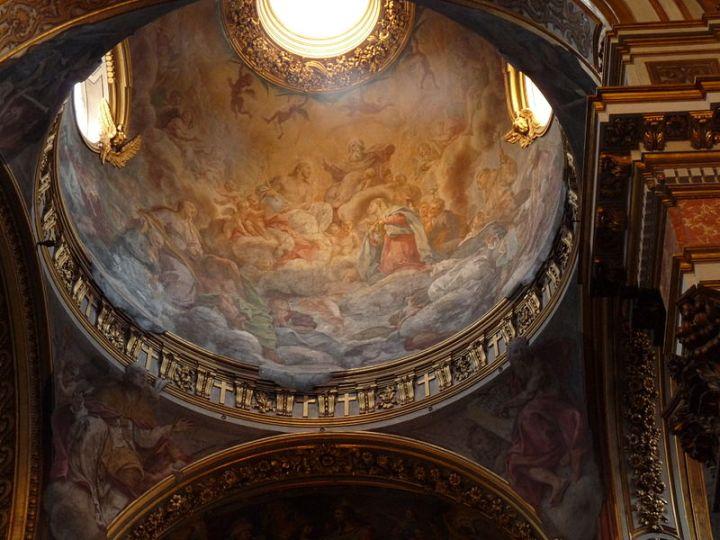 800px-Santa_Maria_Maddalena_-_Roma_interior