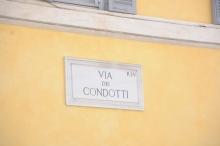 Via-dei-Condotti-2