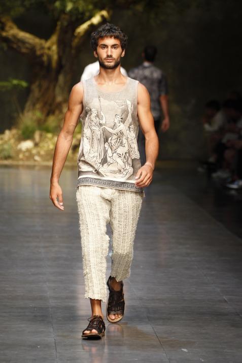 dolce-and-gabbana-ss-2014-men-fashion-show-runway-43