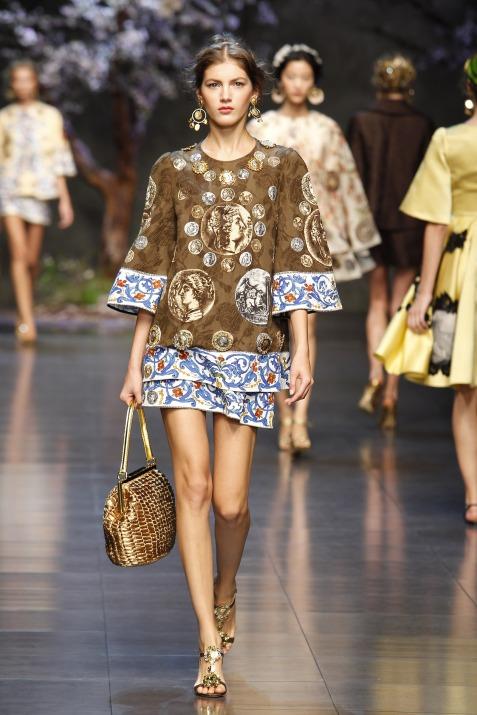 dolce-and-gabbana-ss-2014-women-fashion-show-runway-55