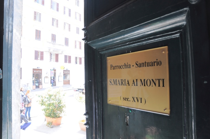 Bezoek de Santa Maria ai Monti inRome
