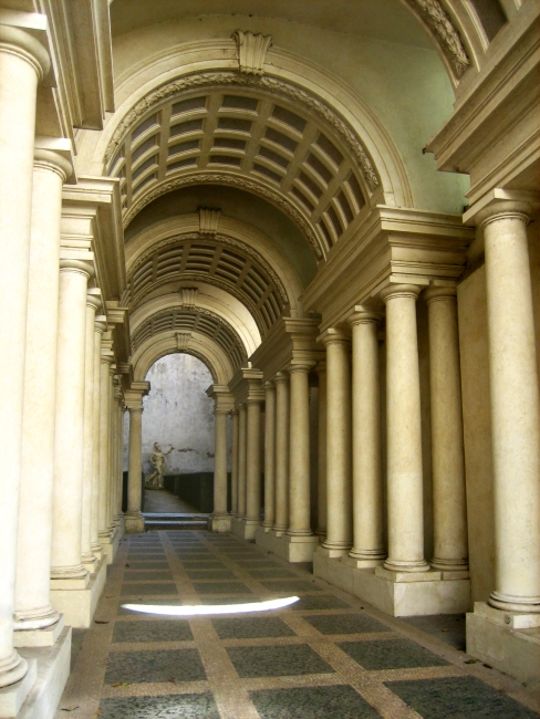 Palazzo_Spada,_perspective_gallery
