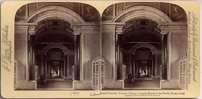 Underwood_&_Underwood_©_1897_No._199_-_Grand_Corridor,_Vatican_Library,_longest_room_in_the_world,_Rome,_Italy