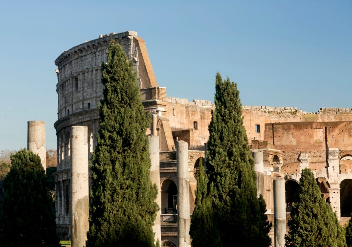 De tweeduizend jaar oude kleuren van hetColosseum