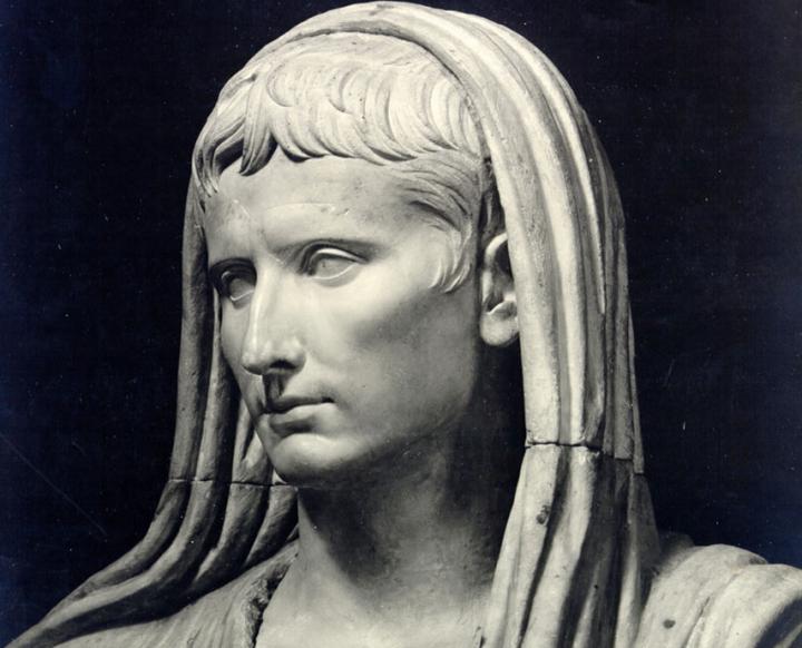 Dé boekentip van het jaar: Augustus, het meesterwerk van JohnWilliams