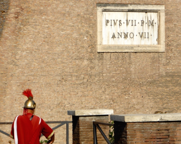 Colosseum-gladiator-Copyright Orpheus kijkt om