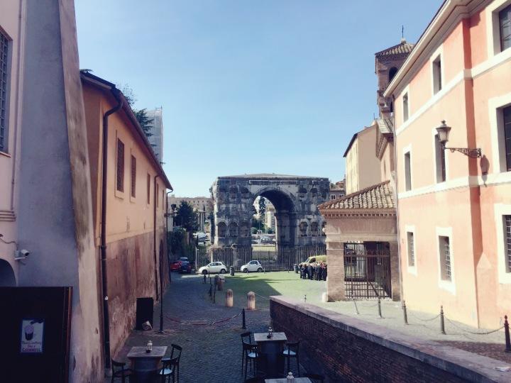 De oudste nog overeind staande monumenten van Rome (waar iedereen zo voorbijloopt)